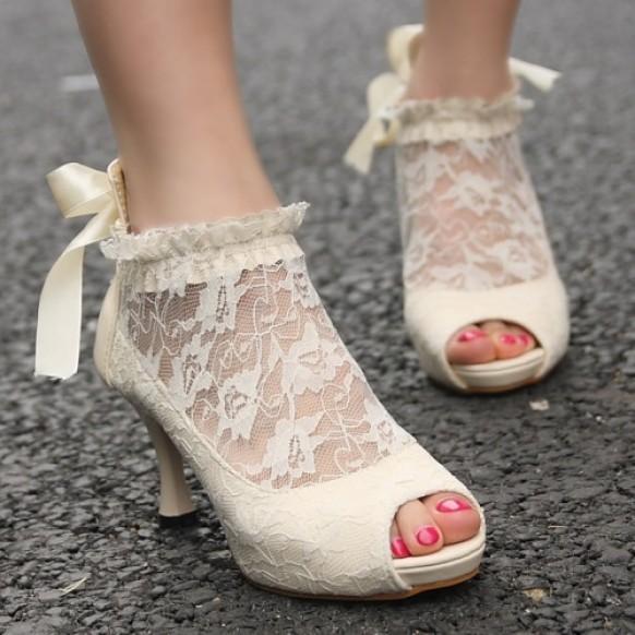 ea3e55295df Vintage Ivory Lace Wedding Pumps ♥ Cheap Wedding Shoes  1442470 ...