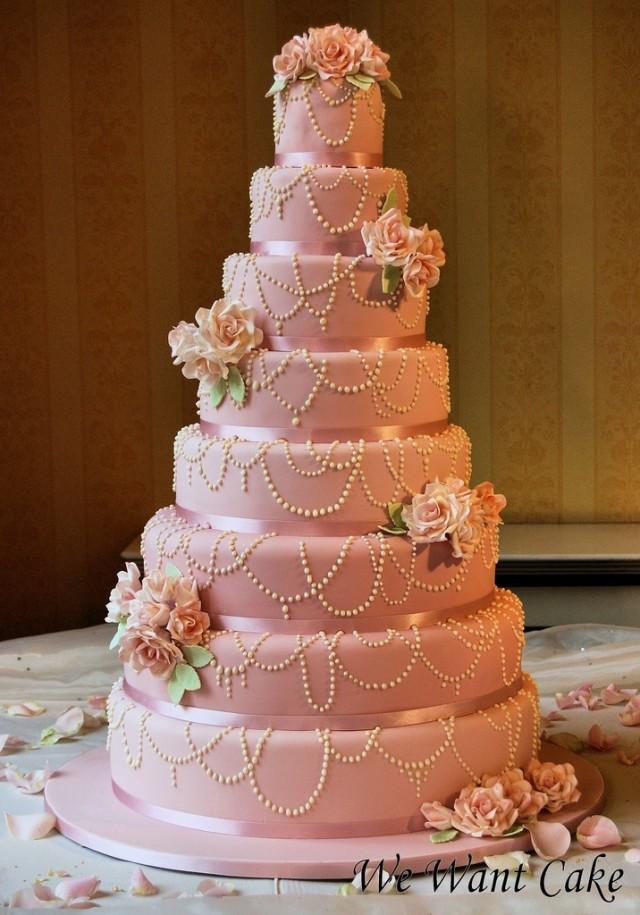 8layered wedding cake with edible pearls 2050084 weddbook