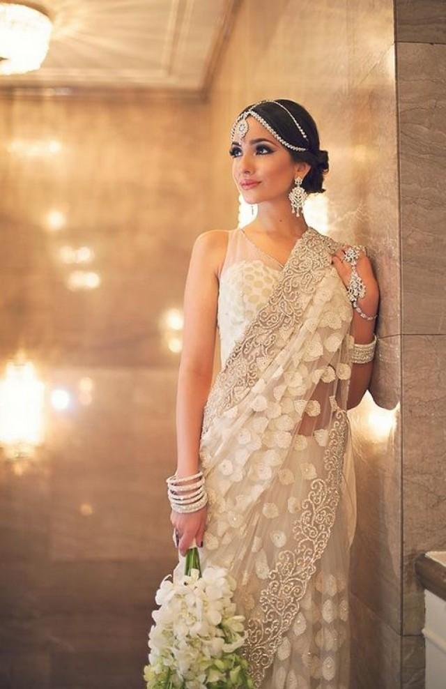Beautiful White Saree With Matching Jewelry. #2050456 - Weddbook